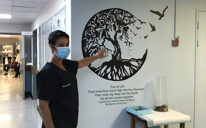 A Tree of Life corner has been set up at Tygerberg Hospital's COVID-19 ICU ward where healthcare workers can, as part their journey dealing with the trauma and anxiety, honour coronavirus patients who've passed away. Picture: Kevin Brandt/EWN