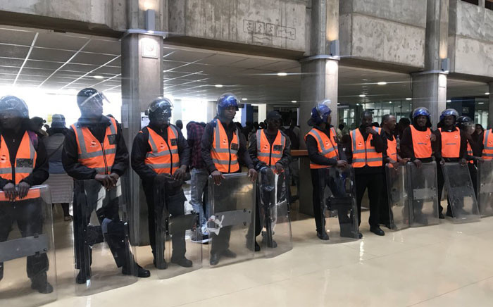FILE: Private security guards at the University of Witwatersrand on 5 February 2019. Picture: Thando Kubheka/EWN.