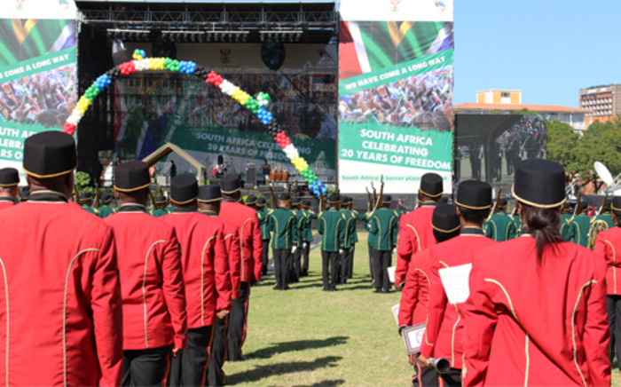 Members of the SANDF await the arrival of President Jacob Zuma ahead of the Freedom Day celebrations at the Union Buildings in Pretoria. Picture: Christa Eybers/EWN