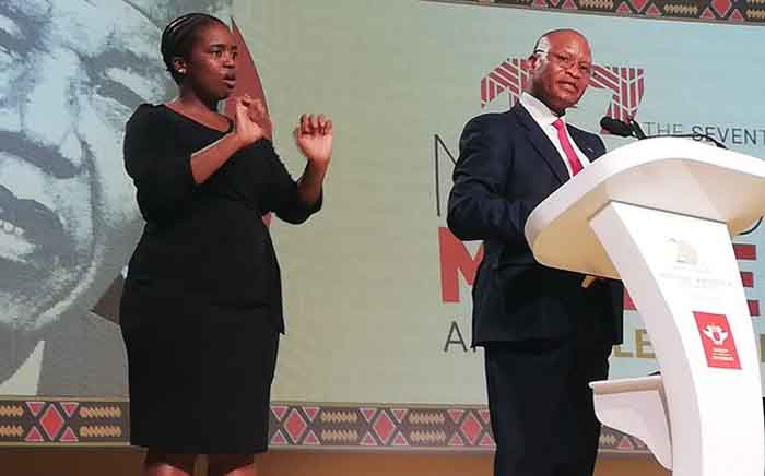 Chief Justice Mogoeng Mogoeng (R) delivering the 17th Annual Nelson Mandela Lecture at the University of Johannesburg in Soweto on 23 November 2019. Picture: @NelsonMandela/Twitter.