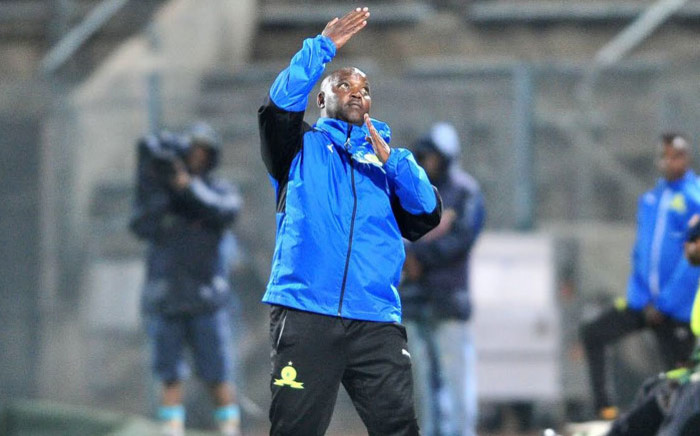 FILE: Mamelodi Sundowns coach Pitso Mosimane gestures during a match. Picture: @Masandawana/Twitter
