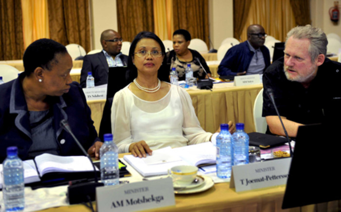 FILE: Minister of Agriculture, Forestry and Fisheries Tina Joemat -Pettersson (centre). Picture: Katlholo Maifadi