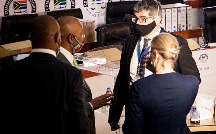 GALLERY: Tom Moyane and Pravin Gordhan face off at Zondo inquiry - Eyewitness News