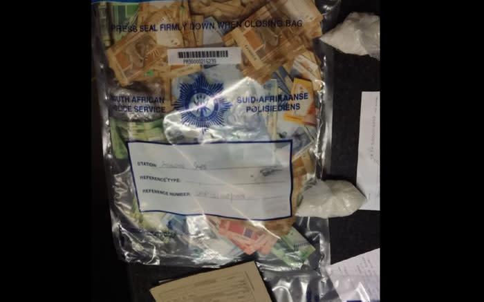 CT-man vlug toneel van tuisaanval, polisielede konfiskeer dwelms en kontant - EWN