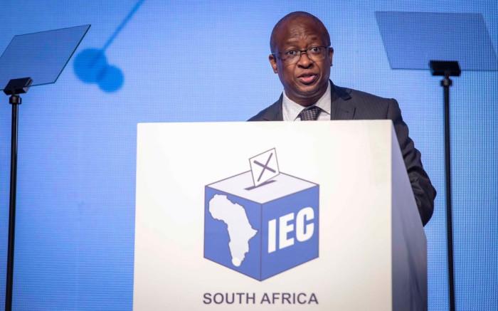 IEC het gesê dat die verklaring van politieke befondsing tot R50 000 - EWN verlaag word