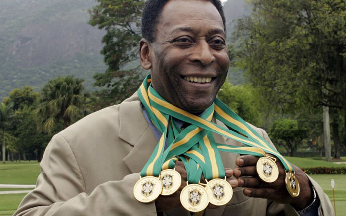 Pele celebrates 81st birthday as tributes roll in - Eyewitness News