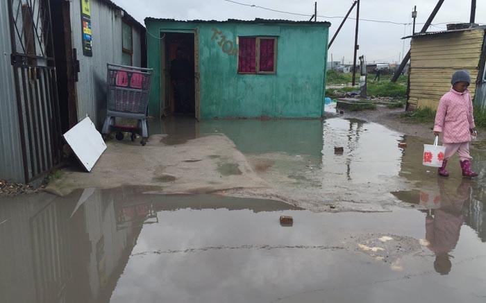 Cold front: Cape informal settlements hit hardest - EWN