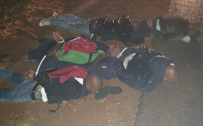2 verdagtes dood, 11 in hegtenis geneem tydens die roof van die polisie in Nkandla - EWN