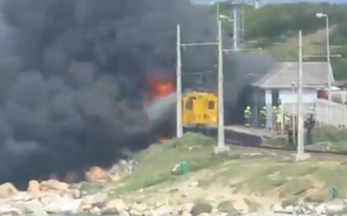 Geen duidelikheid oor wat die treinbrand van Glencairn veroorsaak het nie - EWN