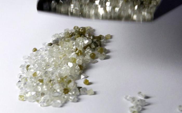 Die diamanthandelaar en sosiaalmaat Eddie Poone sterf - EWN