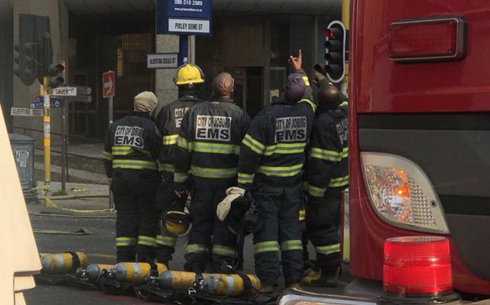 Sommige brandbestryders woon in 'onveilige' JHB-gebou - EWN
