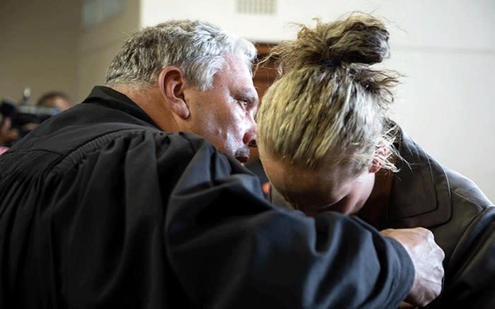 Versoek deur 2 van De Jager se beskuldigde ontvoerders om gevangenes wat van die hand gewys is, te skakel - EWN