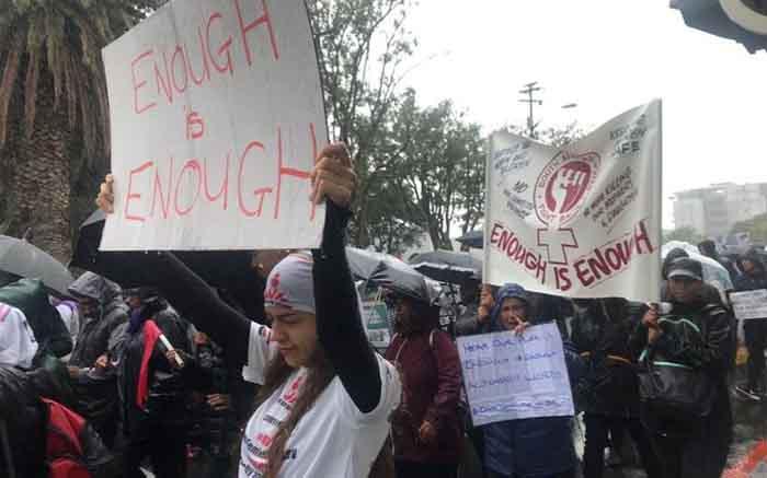 CT-betogers het dapper reën getrek om teen vrouedoding te vaar - EWN
