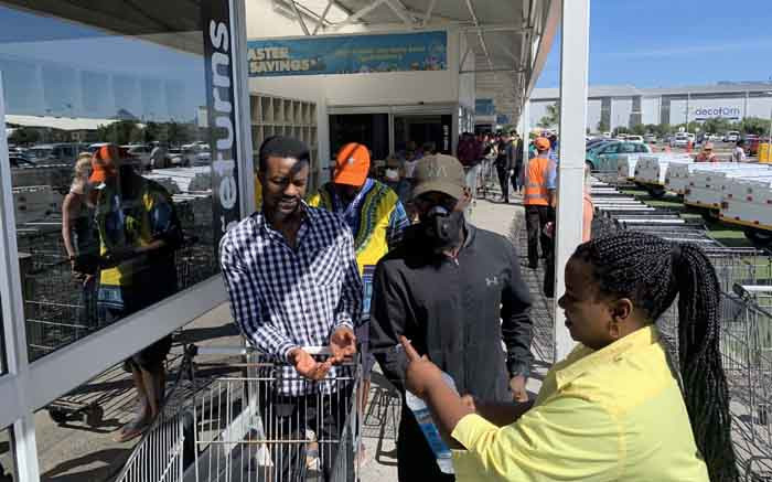 Panic buying: Capetonians flock to stores ahead of national lockdown - EWN