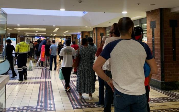 Coronavirus: S. Africans buy essentials as lockdown looms - EWN
