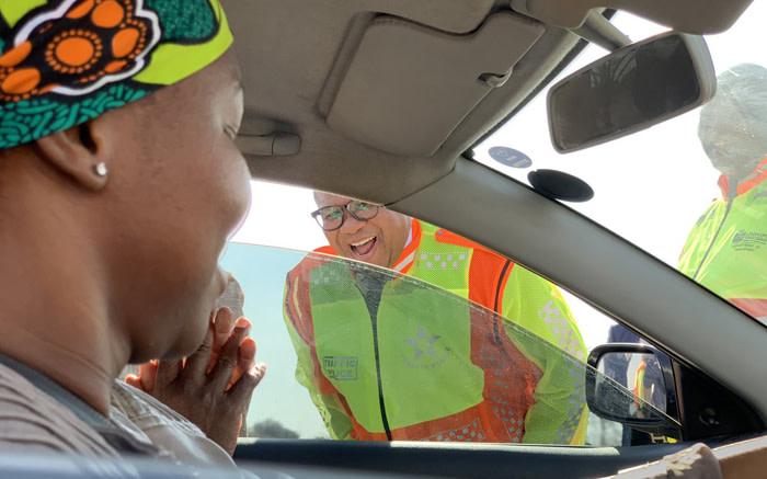 'Geen koeldrank meer', vertel Mbalula aan verkeersbeamptes - EWN
