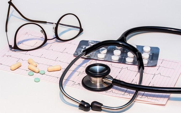 Daar word ondersoek ingestel na dokters wat aanklagte weens aborsie beskou - EWN