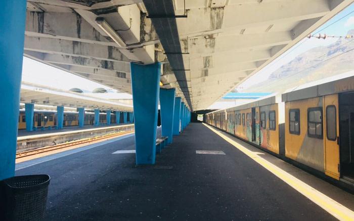 Metrorail kanselleer 27 treine in CT weens vandalisme - EWN