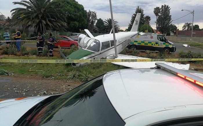 2 injured after light aircraft crashes near Springs airport - EWN