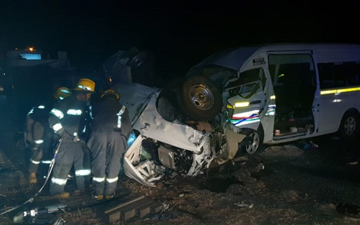 9 dood in Limpopo-taxi-ongeluk - EWN