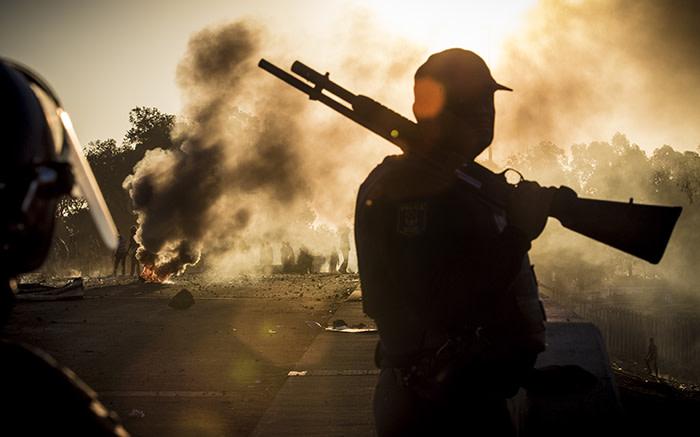 Kaapstadse motoriste het gewaarsku teen die sluit van paaie te midde van protes - EWN