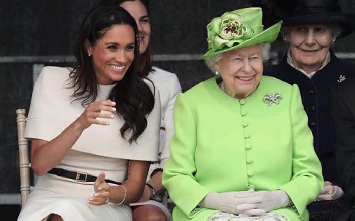 Queen Elizabeth 'bans use of Sussex Royal brand' - Eyewitness News