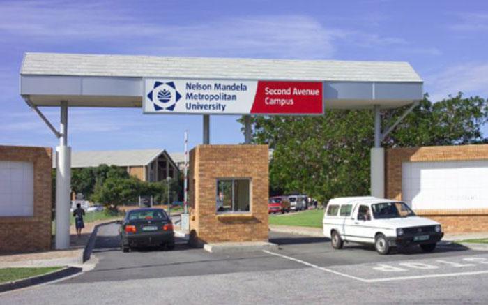 Die Universiteit van Nelson Mandela staak lesings op weens protesoptredes teen die student - EWN