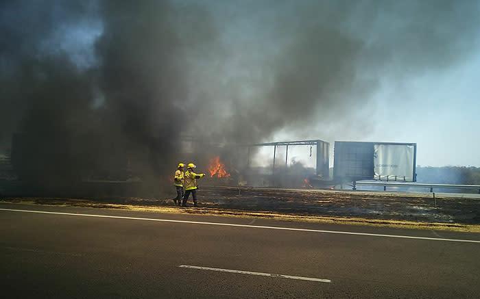 2 dood, 7 beseer in 'n meervoudige voertuig op die N1 in Gauteng - EWN