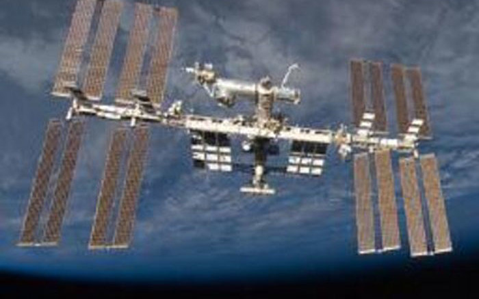 ISS moves to avoid space debris - Eyewitness News