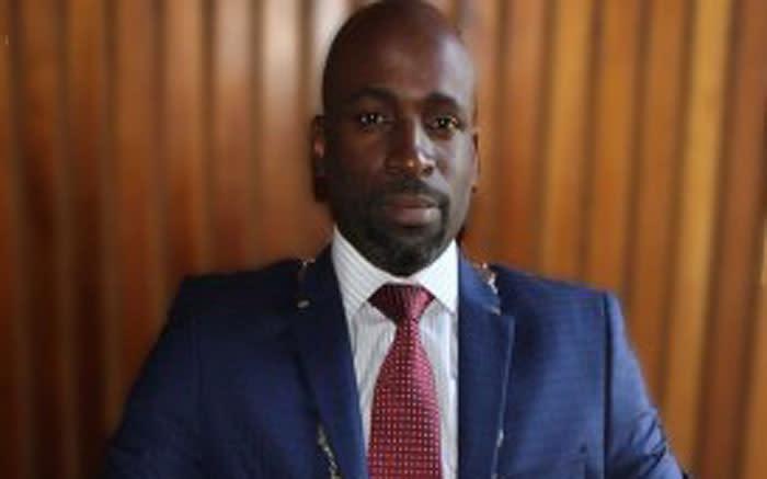 Die burgemeester van Umvoti verdedig miljoene spandeer aan beskermingsdienste vir amptenare - EWN