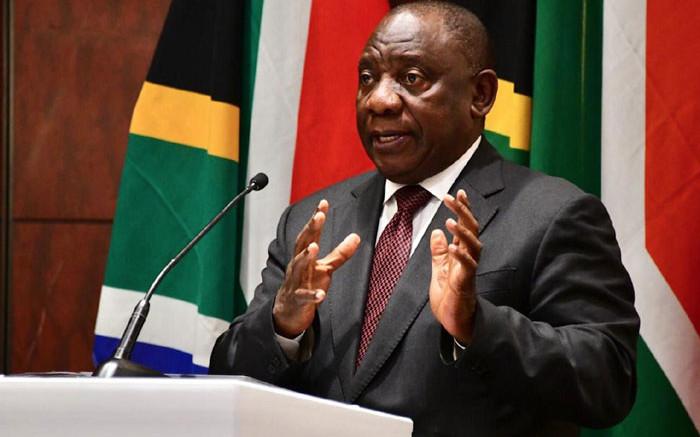 Ramaphosa, sakeleiers bespreek maniere om die ekonomie 'n hupstoot te gee - EWN