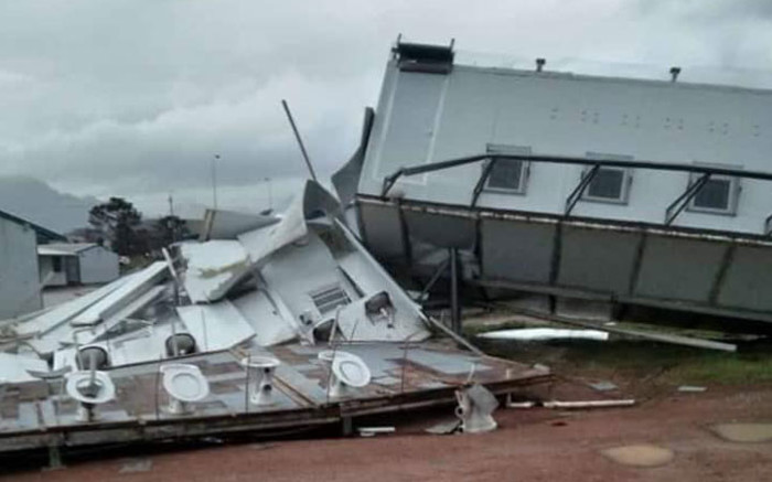 Strong winds flatten and overturn temp classrooms at Strand school - EWN