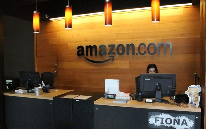 Amazon offers permanent jobs to 125K temp hires - EWN