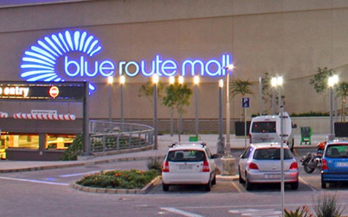 Sneldenkende polisiebeamptes help nabye Blue Route Mall-juwelierswinkelrowe - EWN