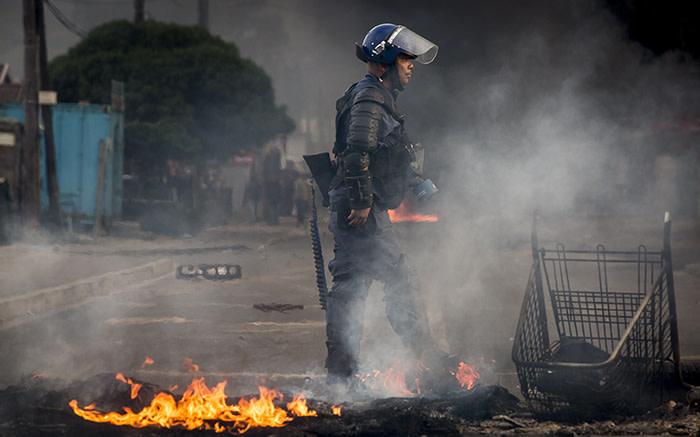 Die polisie in die openbare orde monitor Darling na gewelddadige betogings - EWN