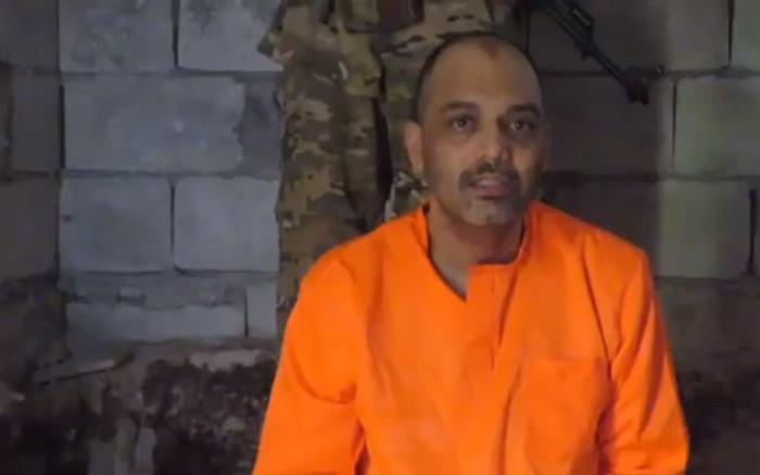 Gesin is ontsteld nadat Shiraaz Mohamed smeek vir die lewe in die jongste video - EWN