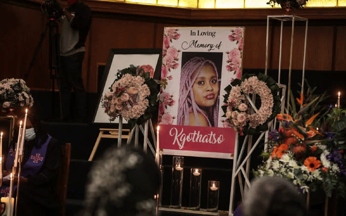 Friends and family share fond memories of Kgothatso Mdunana at memorial service - Eyewitness News