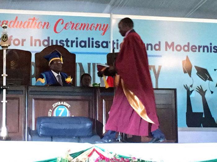 Zimbabwe's President Robert Mugabe attends the graduation ceremony at the Zimbabwe Open University in Harare on 17 November 2017. Picture: EWN