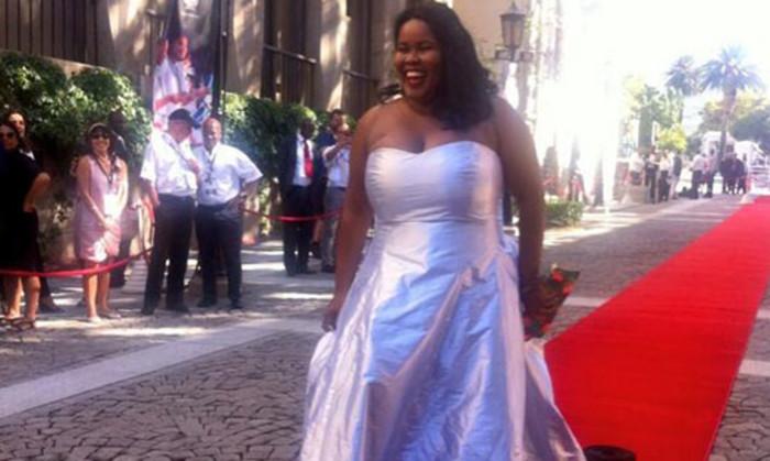 DA Parliamentary Leader Lindiwe Mazibuko shows off Kat van Duinen design on the red carpet. Picture: Siyabonga Sesant/EWN