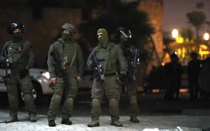 Israeli special forces gather in the mixed Jewish-Arab city of Lod on 13 May 2021, during clashes between Israeli far-right extremists and Arab-Israelis. Picture: Ahmad GHARABLI/AFP