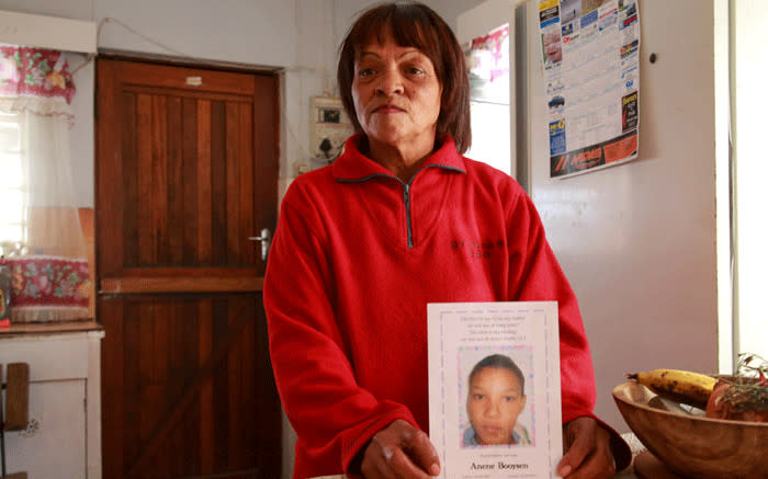 Wilma Brooks holds a picture of her slain niece, Anene Booysen. Picture: Kaylynn Palm/EWN.
