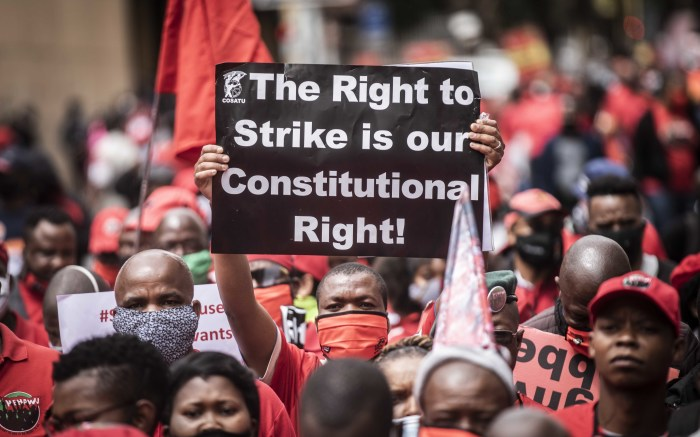 Workers affiliated to different unions marched in Pretoria from Burgerspark to the Treasury in Pretoria. Picture: Abigail Javier/EWN
