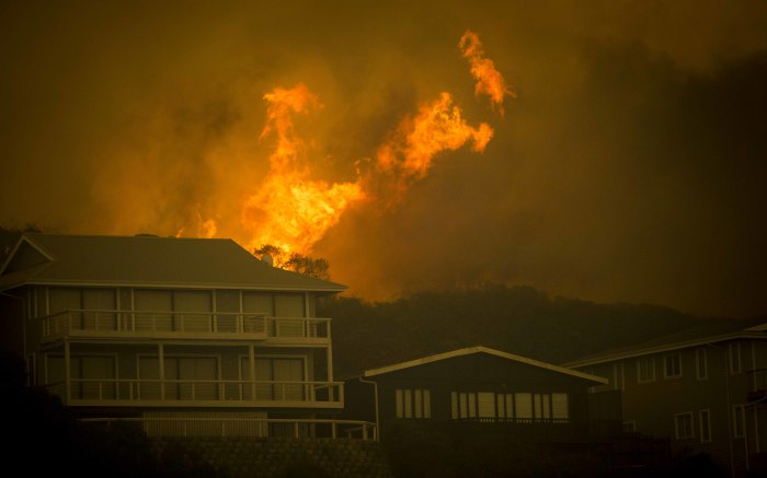 Homes in Buffalo Bay come dangerously close to catching fire.