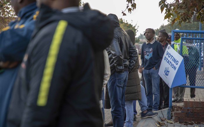 Voters queue in the early hours of the morning at Orlando East Communal Hall. Picture: Thomas Holder/EWN.