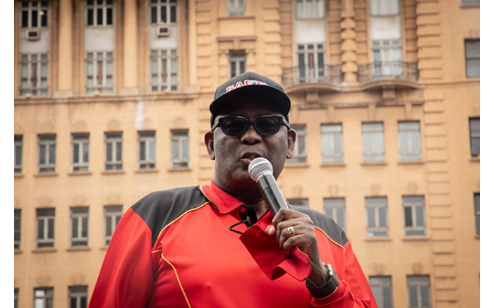 Saftu's Zwelinzima Vavi addressing protesters before they marched through the Johannesburg CBD. Picture: Xanderleigh Dookey/EWN