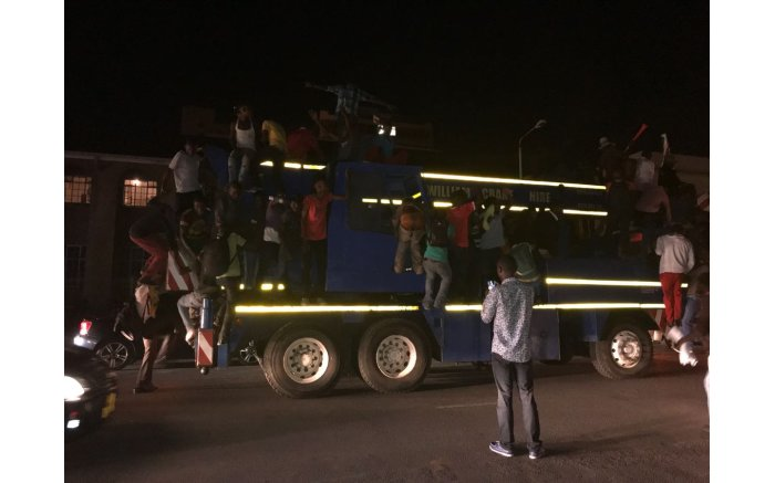 Scenes of jubilation from the streets of Harare. Picture: Masechaba Sefularo/EWN.