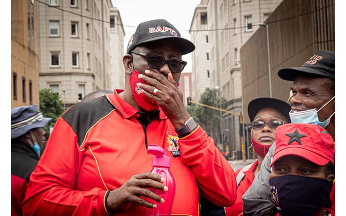Saftu general secretary Zwelinzima Vavi led protesters through the Johannesburg CBD. Picture: Xanderleigh Dookey/EWN.