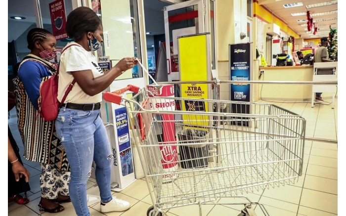 Customers at the entrance of Shoprite Diepsloot on Black Friday.