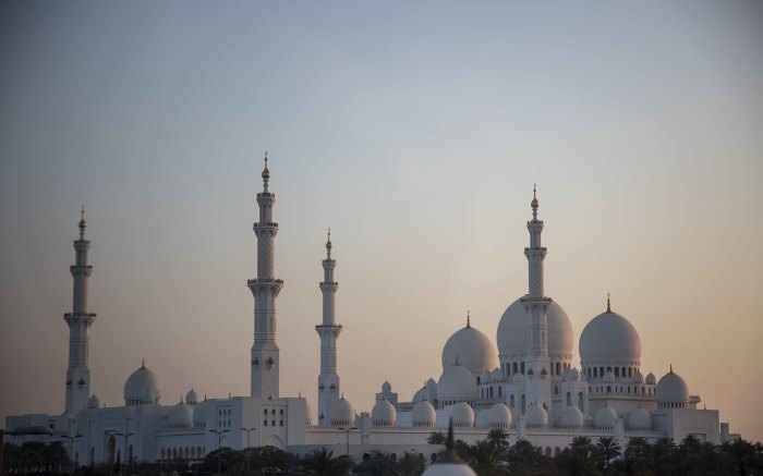 The Sheikh Zayed Mosque at early sunset. Picture: Thomas Holder/EWN