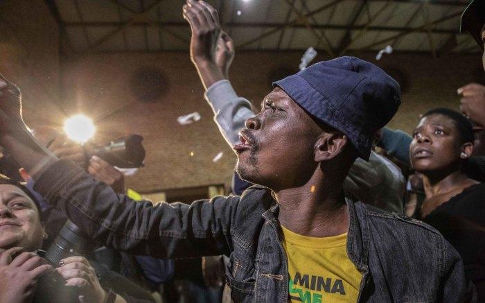 Alexandra residents disrupt Joburg Mayor Herman Mashaba at the Marlboro community hall on 15 April 2019. Picture: Abigail Javier/EWN